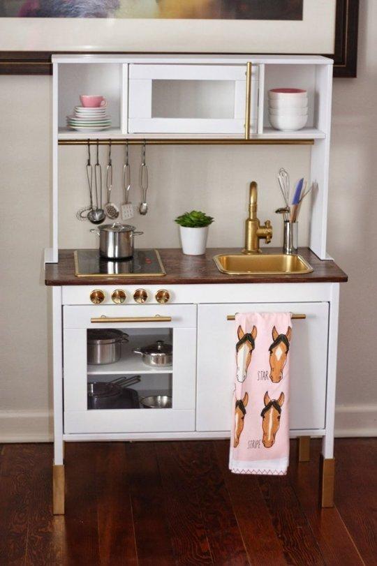 Ikea Duktig Kok Makeover : Ideeon om het IKEA Duktig keukentje een makeover te geven